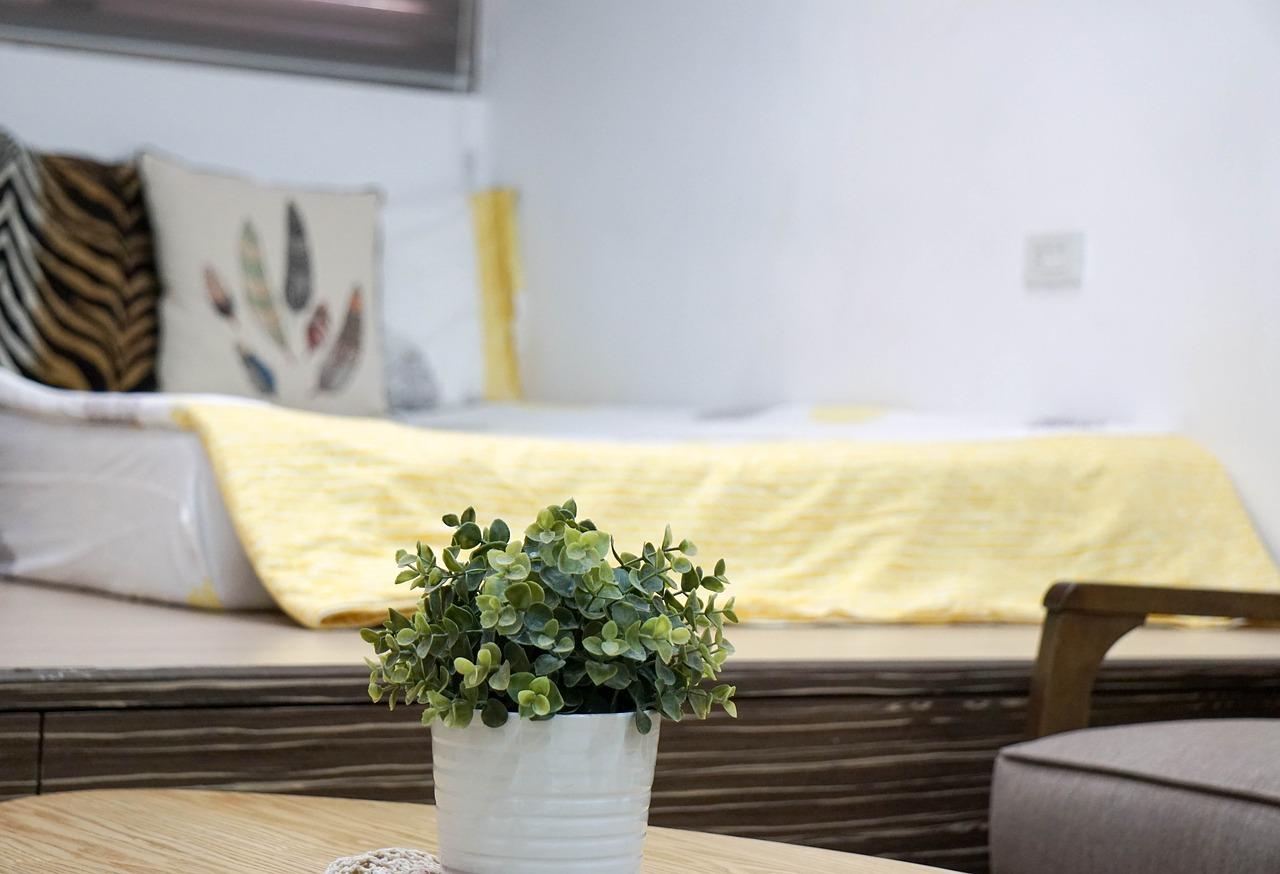 květiny v ložnici